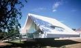 Pavilon Serpentine Gallery 2003 a Oscar Niemeyer