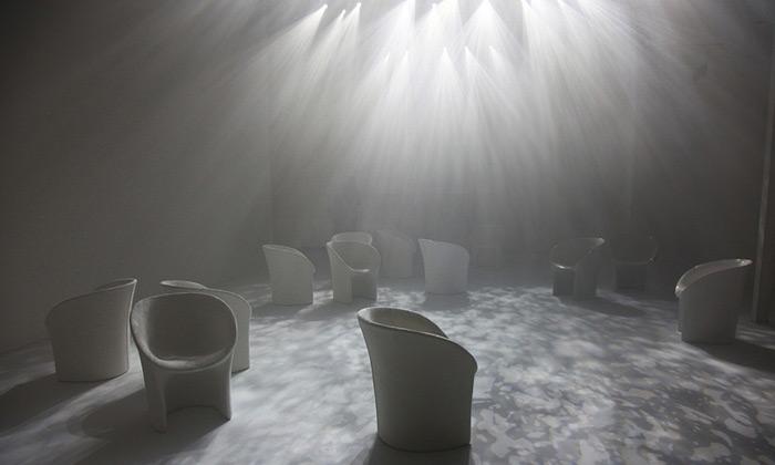 Moroso zazářilo instalací Twilight inovým nábytkem