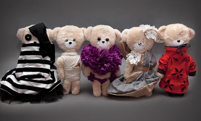 Pětice návrhářů oblékla charitativní medvídky Björn