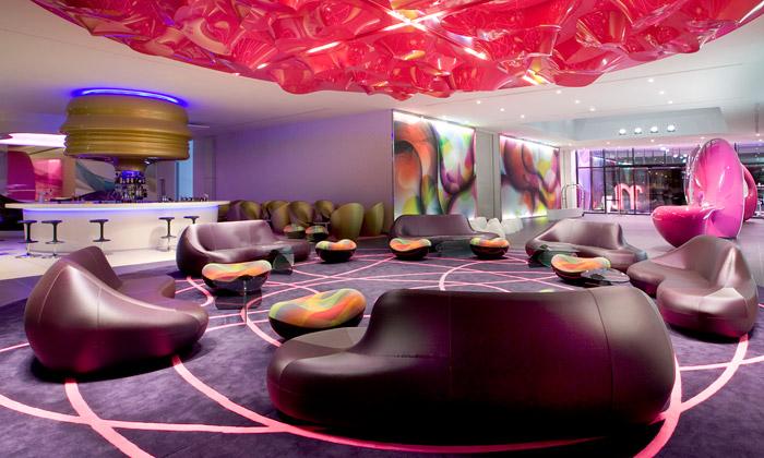 Karim Rashid navrhl interiér hotelu nHow vBerlíně