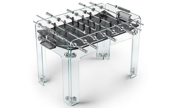 Teckell přestavil plně skleněný stůl nastolní fotbal