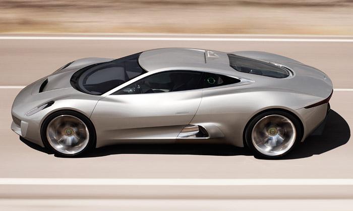 Supersport budoucnosti Jaguar C-X75 jde dovýroby