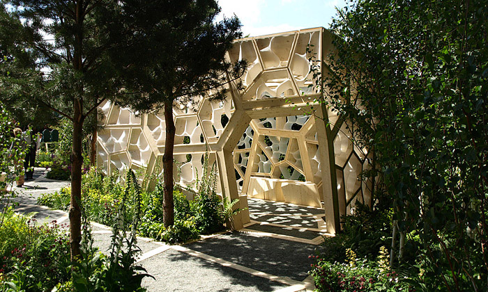 V Londýně vyrostl pavilon odNex sestrukturou listu