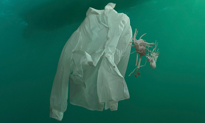 Helen Pynor fotografuje pozůstatky utopených lidí