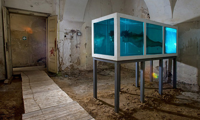 V Praze otevřeno provokativní Museum of Young Art