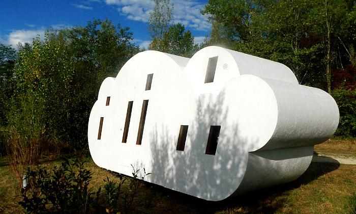 Francie nabízí napřespání domek stvarem mraku