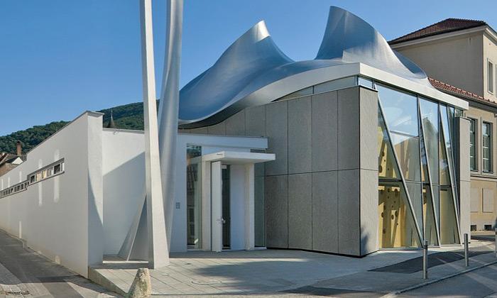 Coop Himmelblau postavili vRakousku hi-tech kostel