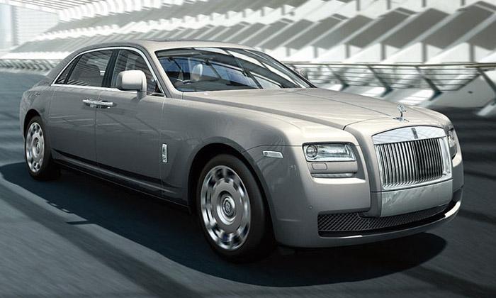 Rolls-Royce představil Ghost Extended Wheelbase