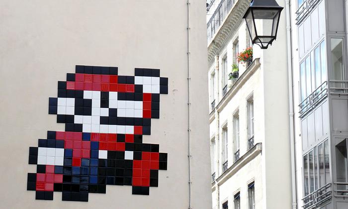 Tisíc vetřelců ze Space Invaders obléhá ulice Paříže