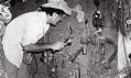 Jacques Kerchache při hledání panenek voodoo