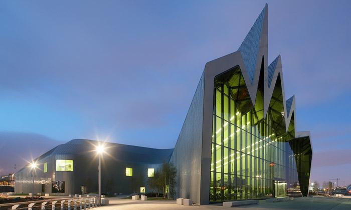 Zaha Hadid a její dopravní Riverside Museum ve skotském Glasgow