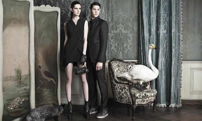 Podzimní módní kolekce Byblos jeinspirovaná labutí