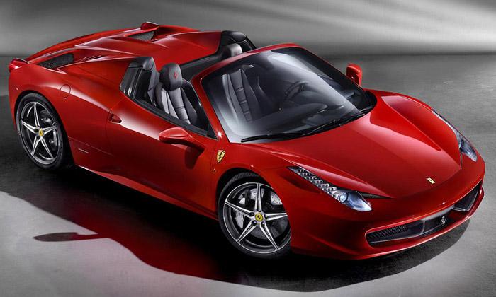 Ferrari 458 Spider jedravec sesklápěcí střechou
