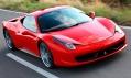 Uzavřený supersportovní vůz Ferrari 458