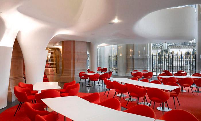 Pařížská opera má organický červenobílý restaurant