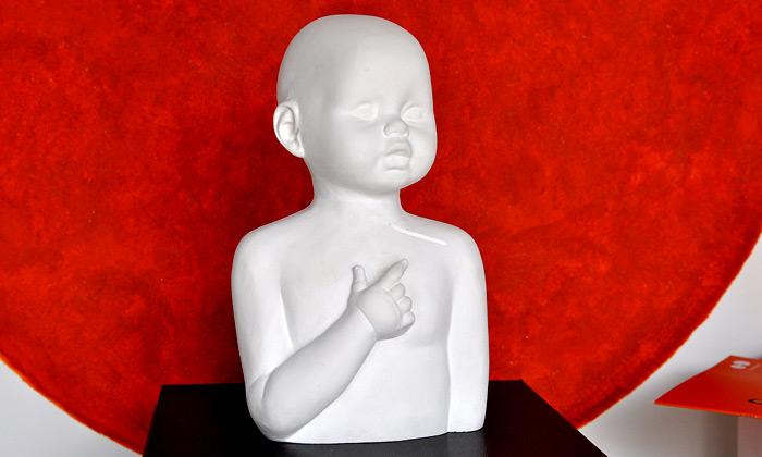 Maxim Velčovský pro Linku bezpečí na přehlídce Designblok 2011