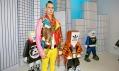 Jeremy Scott v instalaci Adidas na přehlídce Designblok 2011