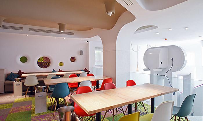Nuca Studio navrhlo restauraci Phill sobřím slonem