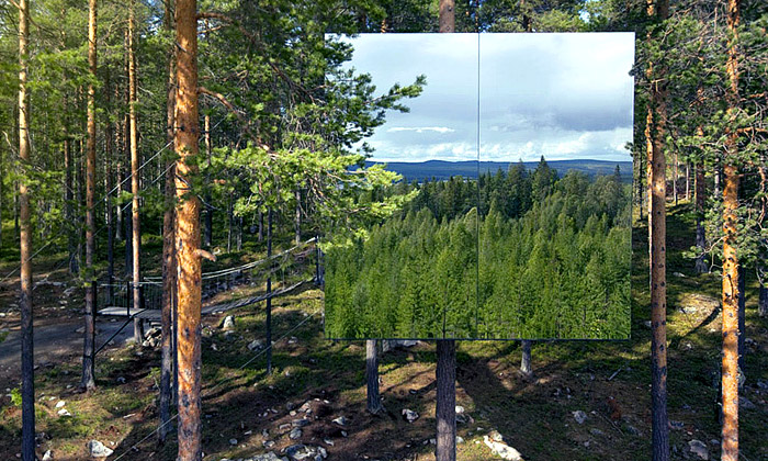 Zrcadlová krychle TreeHotel v prodeji jako montovaný dům MirrorCube