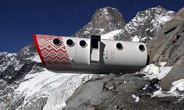 Nový přístřešek pro horolezce na cestě Gervasutti na Mont Blanc