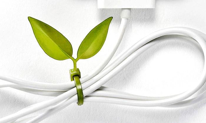 Lufdesign navrhli organizéry kabelů stvarem listu