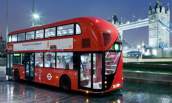 Londýnský double-decker přijíždí vnovém designu
