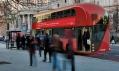 Londýnský autobus New Routemaster za provozu na vizualizaci