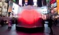 Valentýnské skleněné srdce s LED světly na Times Square od BIG