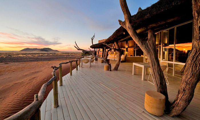 Pouštní ubytovací kemp Little Kulala v Namibii