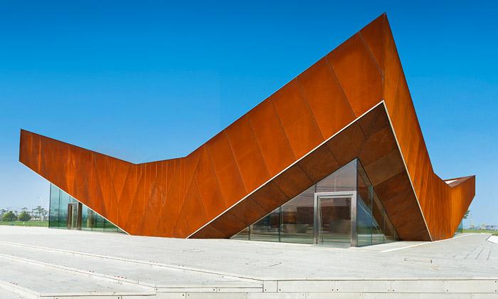Čínská galerie Triple Vjevelký rezatý trojúhelník
