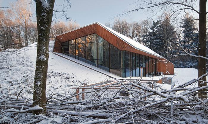 Nizozemská rodina si postavila dům zčásti pod zemí