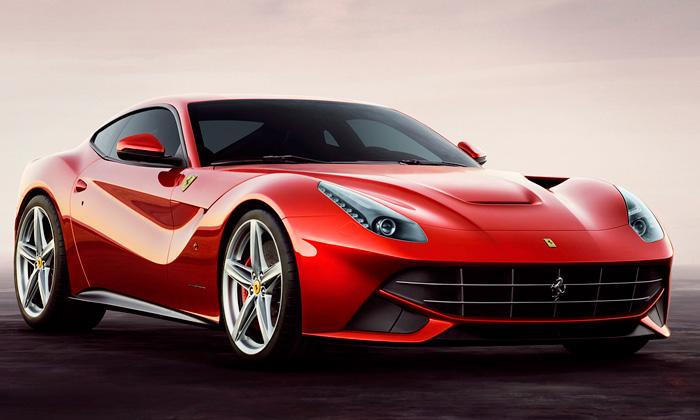 Ferrari aPininfarina odhalili sporťák F12 Berlinetta