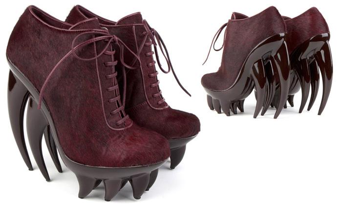 Iris Van Herpen navrhla hororově zubaté boty Fang