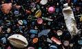 Mandy Barker ajejí kolekce odpadních koláží Soup neboli Polévka
