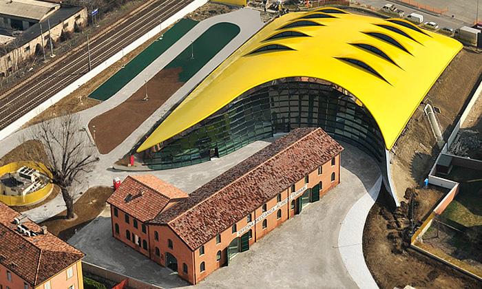 Muzeum Enzo Ferrari odJana Kaplického otevřeno