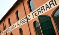 Muzeum Enzo Ferrari v italské Modeně od Jana Kaplického