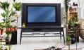 Televize s reproduktory v nábytku Ikea Uppleva