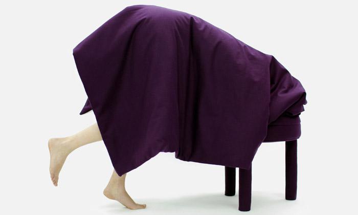 Casamania uvádí židle sintegrovanou přikrývkou