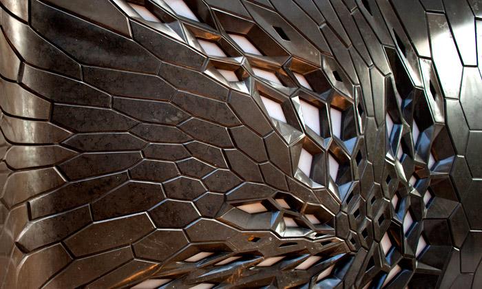 Citco ukázalo galaktické obklady stěn odZahy Hadid