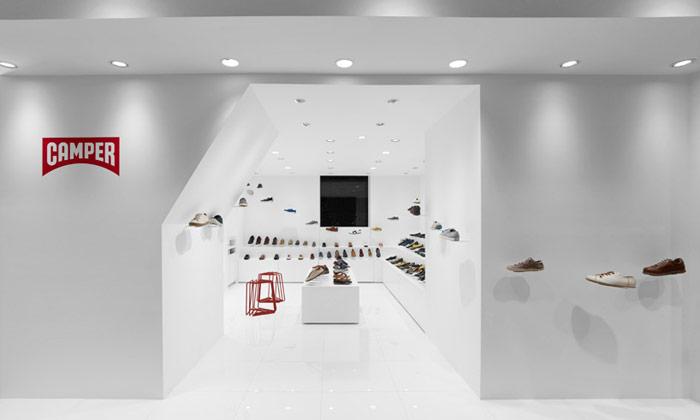 Camper otevřel obchod odNendo slétajícími botami