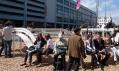 Jeppe Hain a jeho nezvyklé dekonstruované sociální lavičky