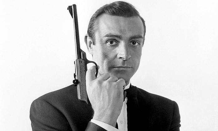 Designing 007 jevýstava o50 letech Bondova stylu