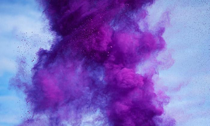 Carterovi nafotili exploze mnoha barev mezi mraky