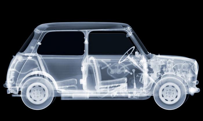 Nick Veasey fotografuje rentgenem auta izvířata