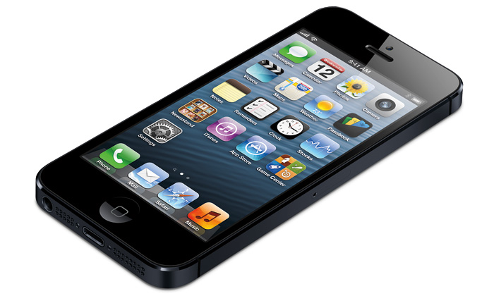 Apple představil tenčí iPhone5 světším displejem