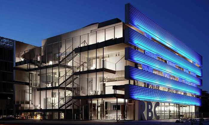 Jean Nouvel postavil design centrum RBC plné klecí
