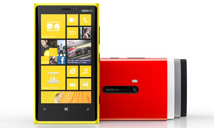 Nokia uvádí minimalistické mobily Lumia 920 a820
