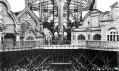 První parto Eiffelovy věže na historických snímcích