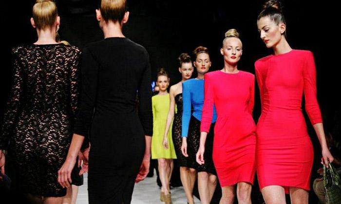 TIQE představila smyslně ženskou podzimní kolekci