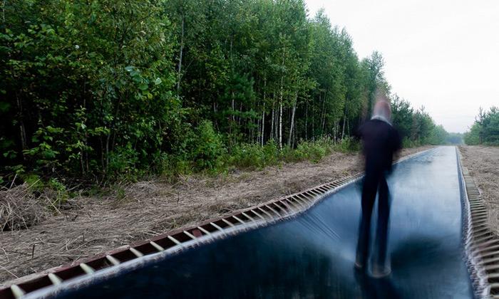 V Rusku udělali cestu ztrampolíny pro rychlou chůzi